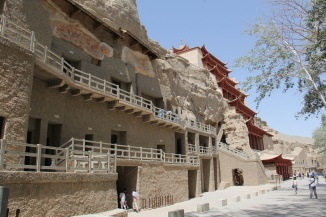 More than 400 caves line the grotto walls.